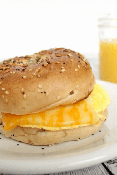 How to Easily Make an Inexpensive Breakfast Sandwich at Home
