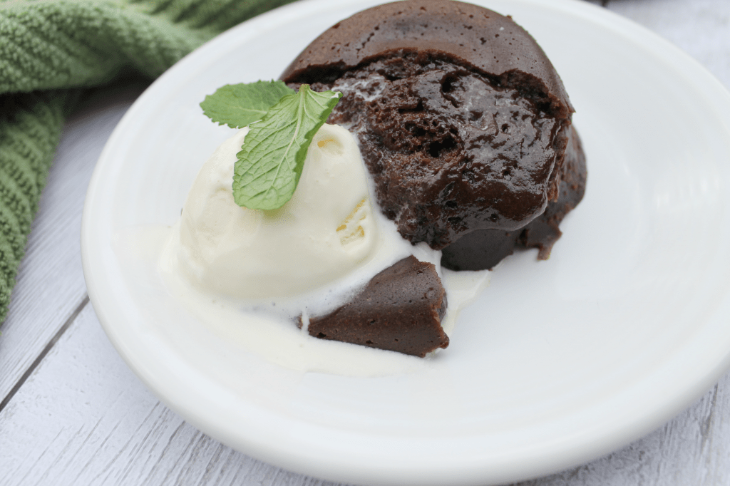 These molten chocolate mint lava cakes will win the hearts of your family and friends! Not only are they ooey gooey and delicious, but they're incredibly simple to make. Find out just how easy it is to enjoy a restaurant quality, showstopping dessert in your own kitchen with these Instant Pot lava cakes!