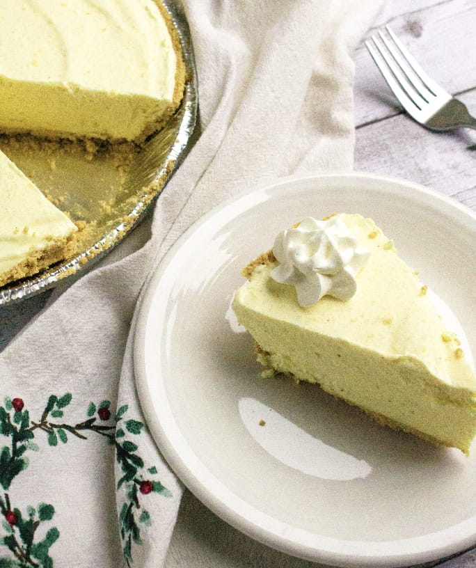 Easy Eggnog Ice Cream Pie for the Holidays