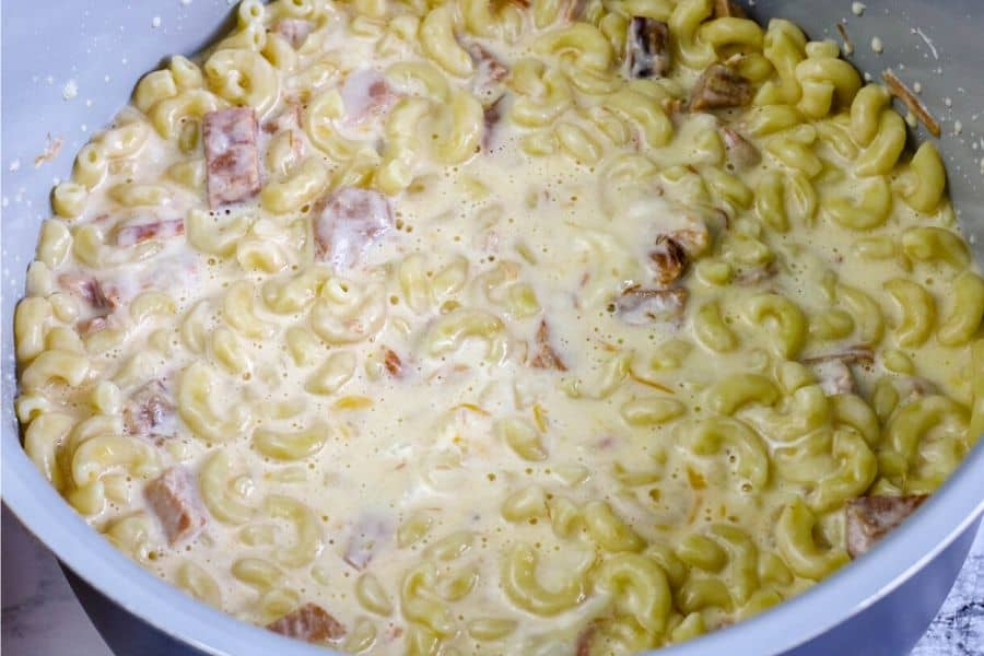 macaroni and ham in a cheese sauce