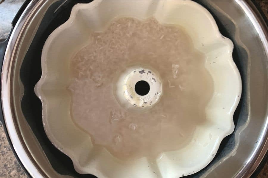 bundt pan of rice and water in the Instant Pot