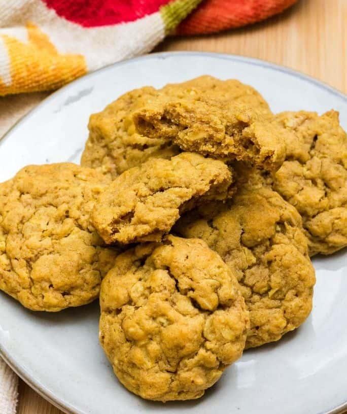 plate full of pumpkin oatmeal cookies